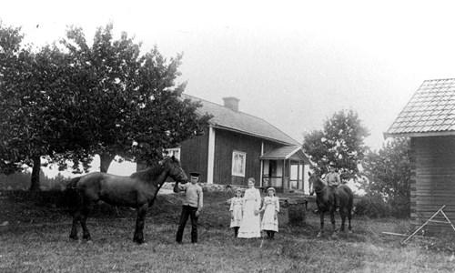 Hus i Södra Nyckelhult år 1908