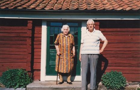 Madstugan Oskar Person med syster Margareta