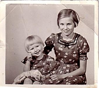 Annika och Inga-Britt Bolling