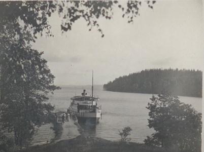 Bålnäs Brygga år 1920 Båt Karl Johan