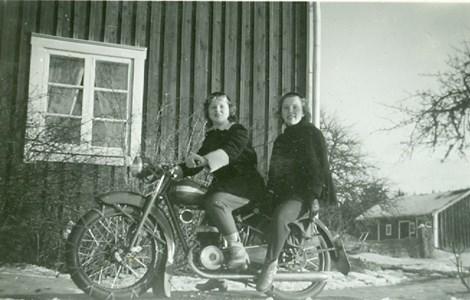 På motorcykel