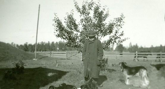 Kalle Daven med sina hundar