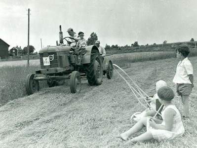 Traktorbetjäning