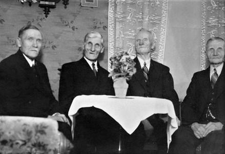 Syskonträff i Vallstorp 40-talet
