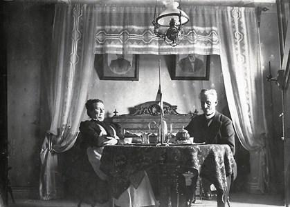 Lärare Hellströmer med fru
