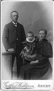 Fam Gustavsson med dotter