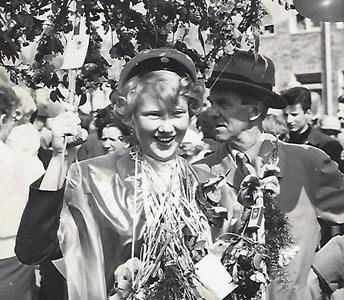 Högaberg, Eskil Adamsson med dottern Eivor 1954