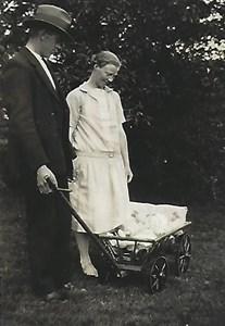 Högaberg, Eskil och Rut med Gunborg 1931