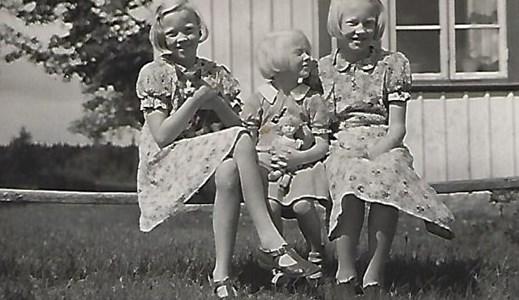Högaberg, systrarna Gunborg, Ingrid och Eivor, 1941