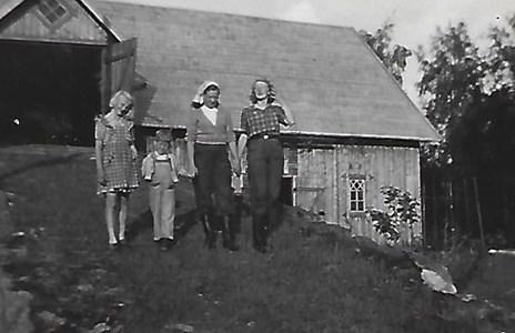 Högaberg, ladugården 1948