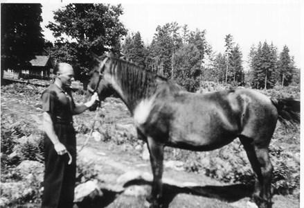 Gösta Rydh och hans häst.