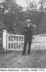 Sålebo. Martin Johansson vid grinden.