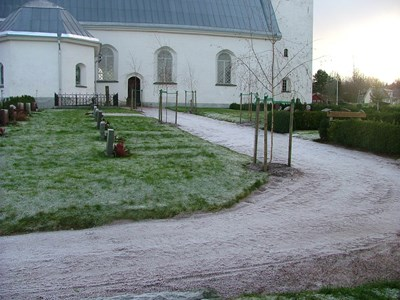 Norra Vi kyrkogård. Från norr.
