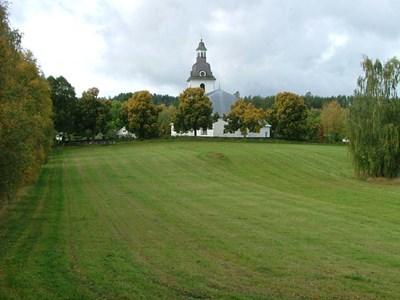 Norra Vi kyrka österifrån..