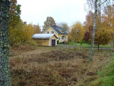 Solvik. Garage-bostadshus.