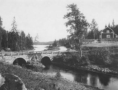 Visskvarn. Högbron.