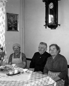 Fika på Pensionärshemmet, Hov, Östervåla.
