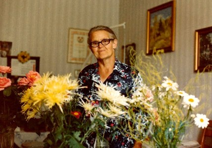 Lisa Pettersson, Skogbo, Östervåla, fyller år