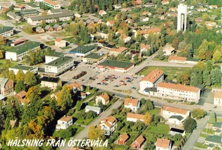 Flygfoto Östervåla 1990.jpg
