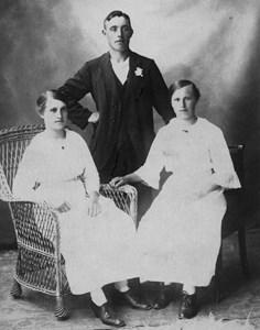Klara, Efraim o Anna (syster till Klara)