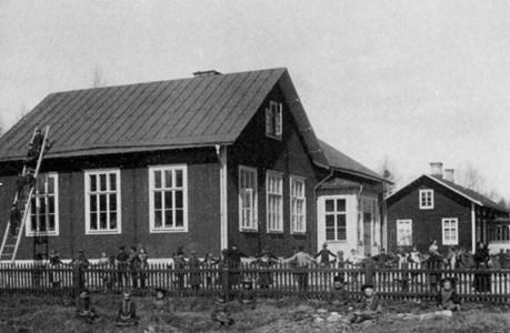 Kanikebo skola äldre bild.