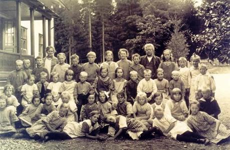 Serrander, Skolkort Bjurvalla.