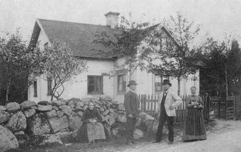 Fam. Lundqvist, Mårtsbo, Östervåla.