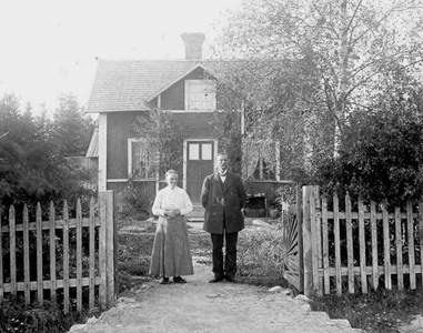 Per Ersson Ekström 1858-03-24 och Stina Persdotter 1858-01-23.