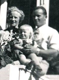 Olle med fru Karin o barn, Ingeborgbo.jpg