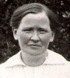Augusta Eriksson, Ettinga, Östervåla