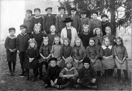 Smedsbo skola 1921.jpg