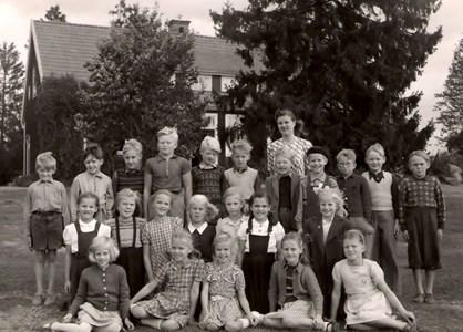 Smedsbo 1949 elever födda 1939.jpg
