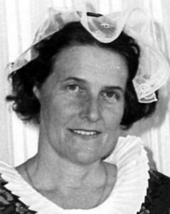 Iris Forsberg, Hov, Östervåla