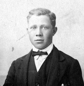 Tyko Nordlund, Huggle, Östervåla