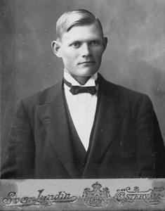 Emil Persson, Upplanda, Östervåla