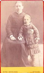 Mor Karin och Selma.jpg
