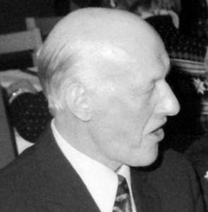 Roland Olsson, Hov, Östervåla