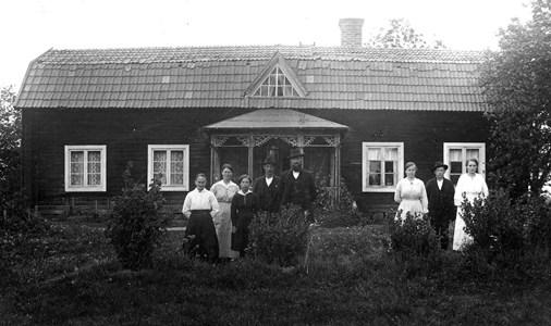 Familjen Erik Eriksson, Bärby