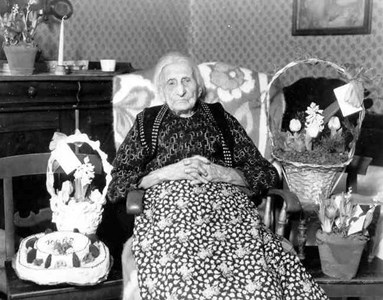 Högbo-Carin, 100 år 1949.jpg