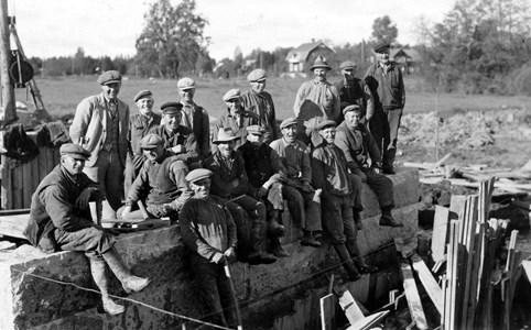 Brobygge vid Bjurvalla, Ak-arbetare. Okända personer.jpg