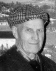Axel Holmqvist, Åby, Östervåla