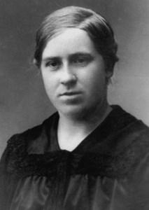 Alma Olsson, Vreta, Östervåla