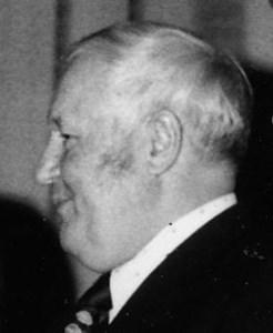Karl Eriksson (Korv-Kalle), Hov, Östervåla