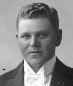 Karl Eriksson, Solhallet, Östervåla