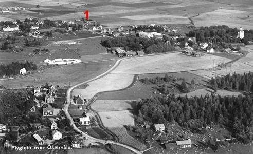 Flygfoto med gamla genomfarten till Tärnsjö.jpg