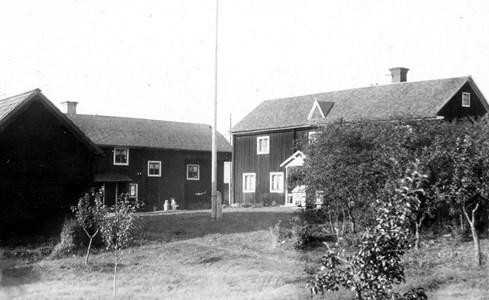 Ol-Pers-Gården, Skogbo.jpg
