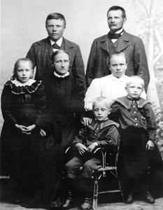 Familjen Gustaf Jansson.jpg