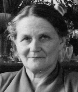Signe Pettersson, Hov, Östervåla