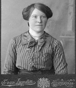 Anna  Maria Viktoria Vikander, Fredsbacken, Östervåla