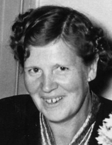Astrid Larsson, Trollberget, Östervåla